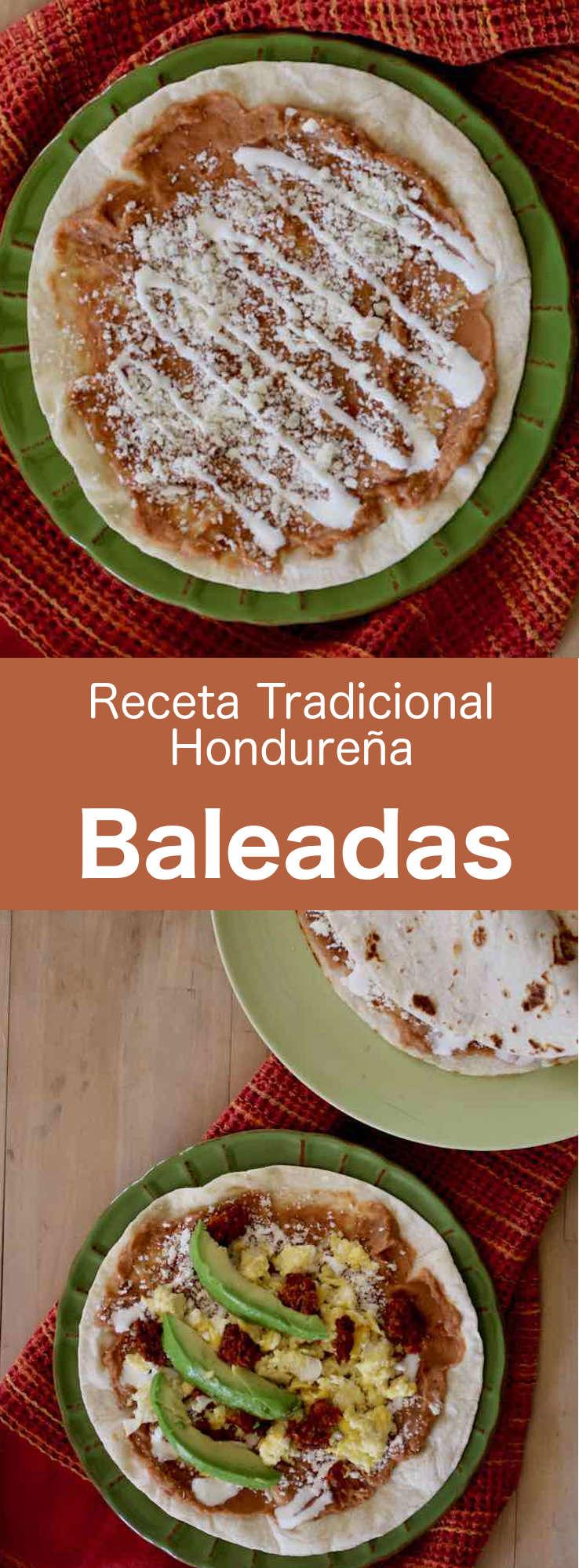Las baleadas son unas tortillas de harina de Honduras, que se doblan por la mitad y se rellenan con puré de frijoles rojos fritos y otros ingredientes. #Honduras