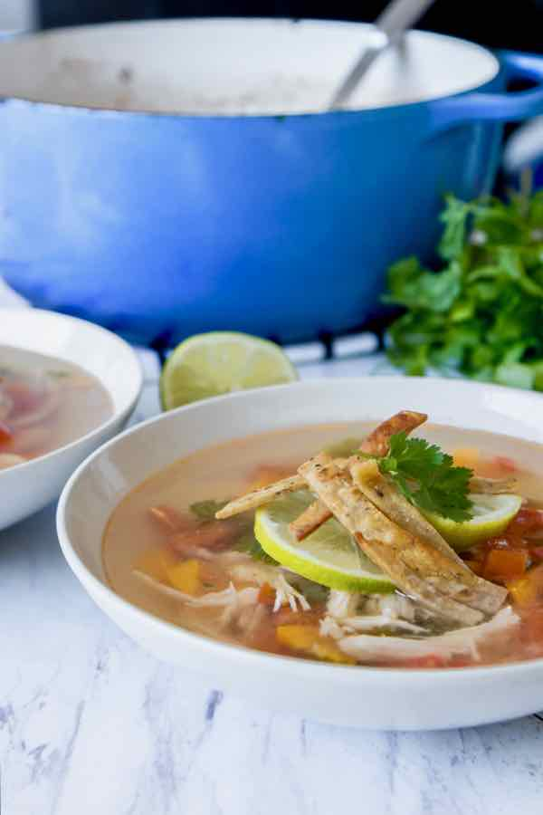 sopa de lima tradicional