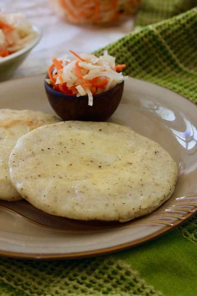 pupusa and curtido