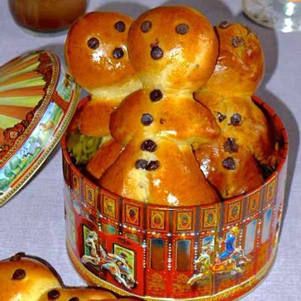 recipe: paska recipe with saffron [39]