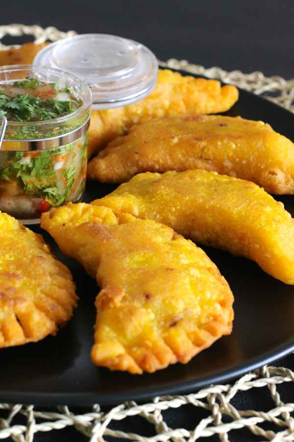 Empanadas authentic colombian recipe 196 flavors colombian recipe empanadas forumfinder Choice Image