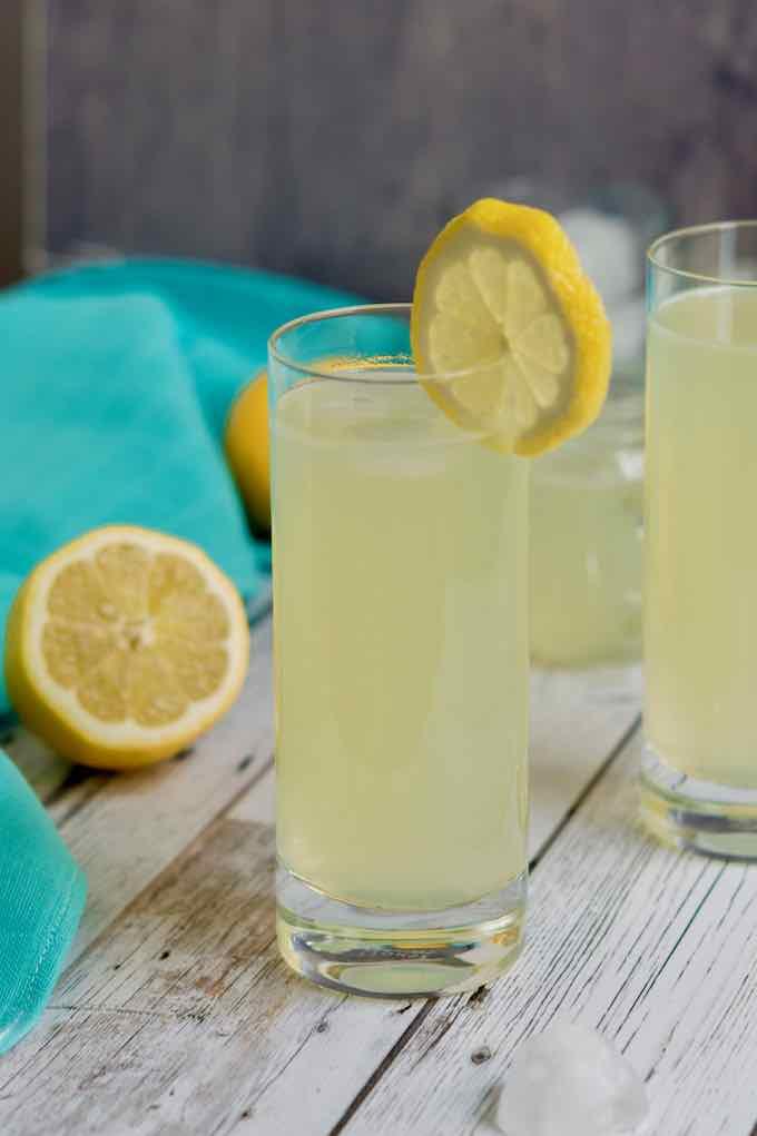 citronnade (Tunisian lemonade)