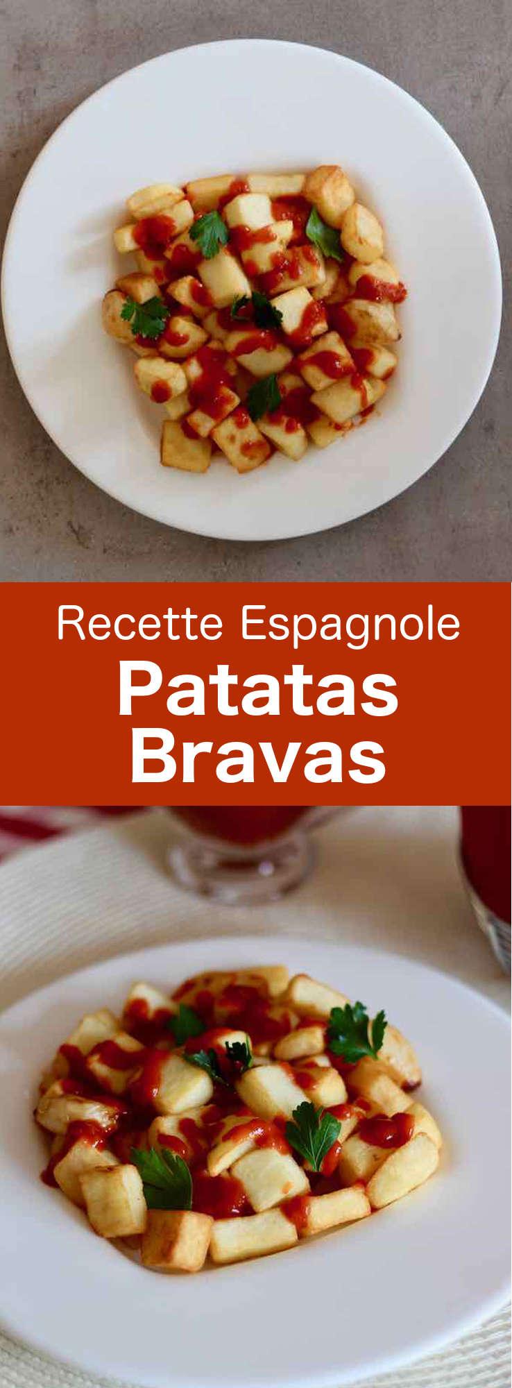 Les patatas bravas sont de délicieuses tapas : des cubes de pommes de terre blanches frites et nappées d'une sauce épicée appelée