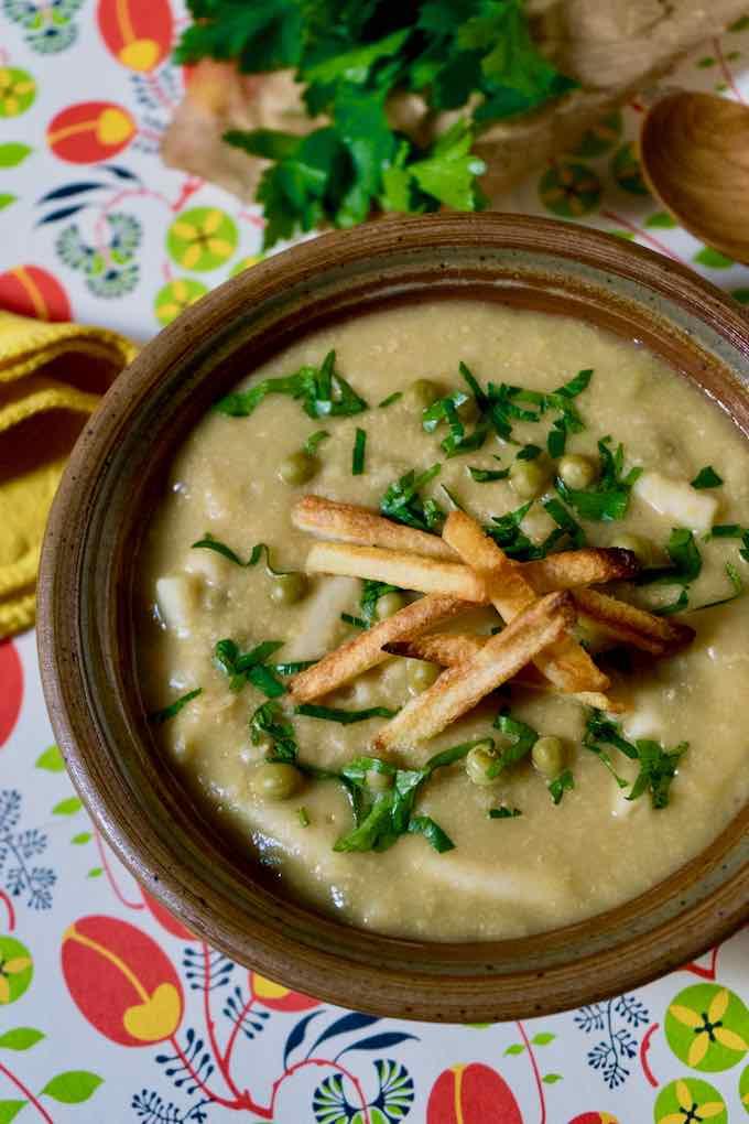 sopa de mani boliviana