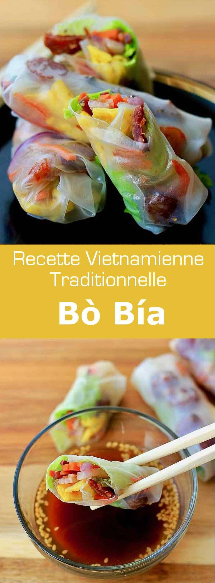 Le bò bía est la variante vietnamienne du popiah, un rouleau de printemps commun à Taiwan, Singapour, Malaisie, Thaïlande et Myanmar. #Vietnam #RecetteVietnamienne #CuisineVietnamienne #CuisineAsiatique #RecetteAsiatique #CuisineDuMonde #196flavors