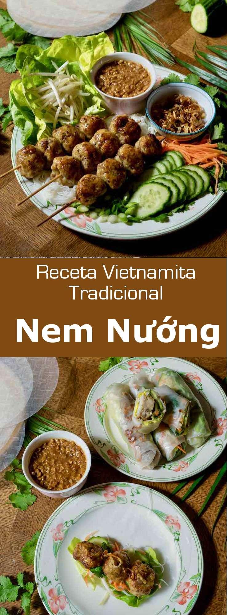El nem nướng es un popular plato vietnamita que contiene salchichas o albóndigas de cerdo a la parrilla que se sirven con fideos de arroz y se envuelven con papel de arroz.