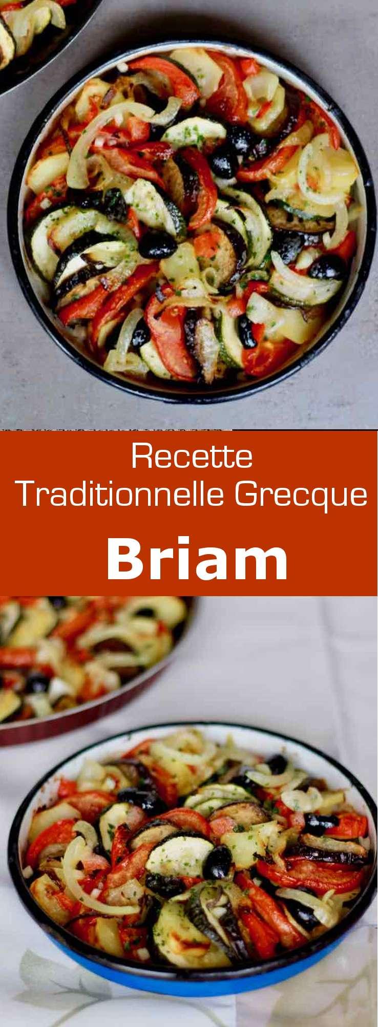Le briam est un plat traditionnel de la cuisine grecque à base de légumes d'été longuement cuits au four, proche de la ratatouille française. #Grece #RecetteGrecque #CuisineGrecque #CuisineMediterraneenne #CuisineDuMonde #196flavors