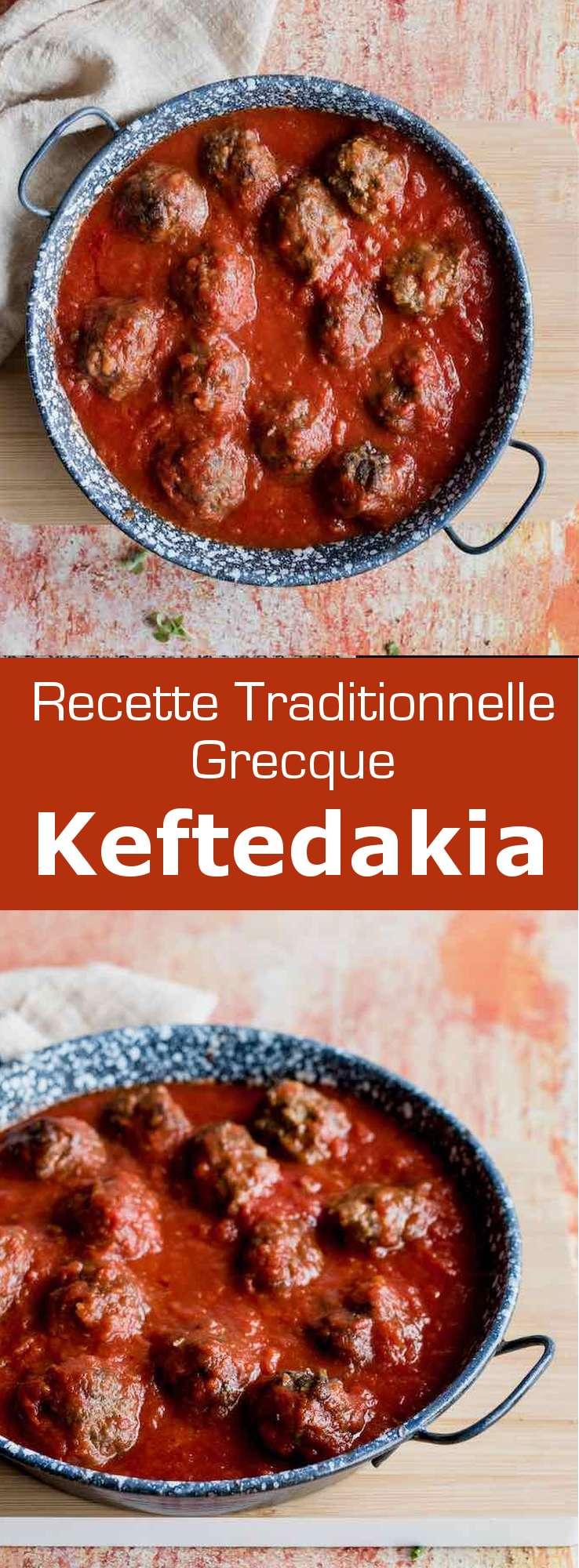 Les keftedakia (κεφτεδακια) sont un plat traditionnel grec, de petites boulettes de viande hachée, frites puis mijotées dans une sauce tomate. #Grece #RecetteGrecque #CuisineGrecque #CuisineMediterraneenne #CuisineDuMonde #196flavors